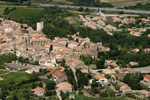 photo aérienne du village de Fournès (Gard)